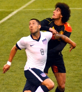 Clint_Dempsey_and_Marouane_Fellani_USA_vs_Belgium_2013
